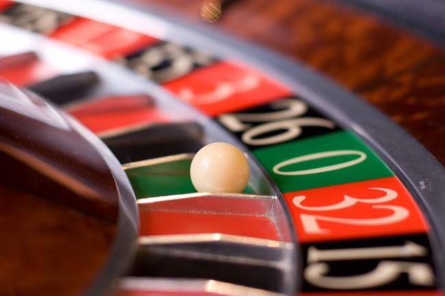 Roulette in casino, zeno wins