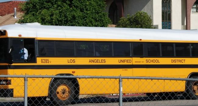 Schoolbus-e1450193485648-650x349